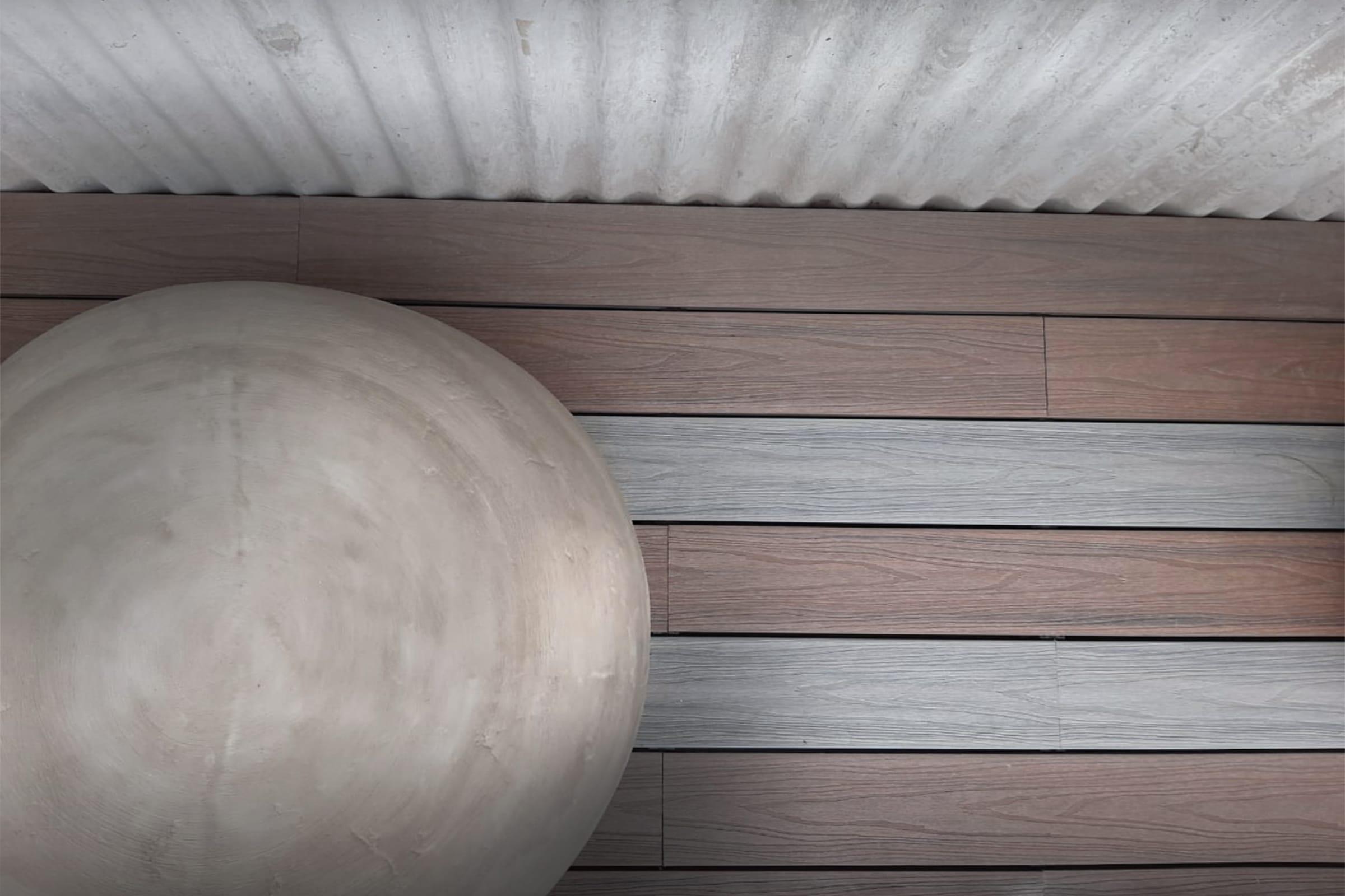 Deck con tablas de dos tonos (Patagonia Flooring Deck Fusion).