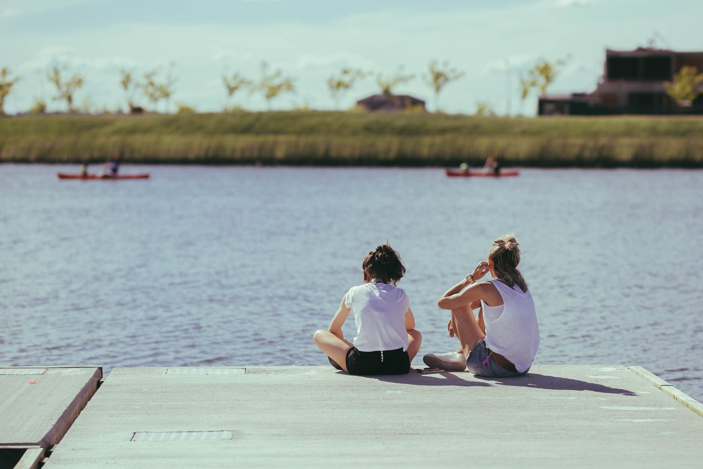 El muelle sobre el lago de Puertos.