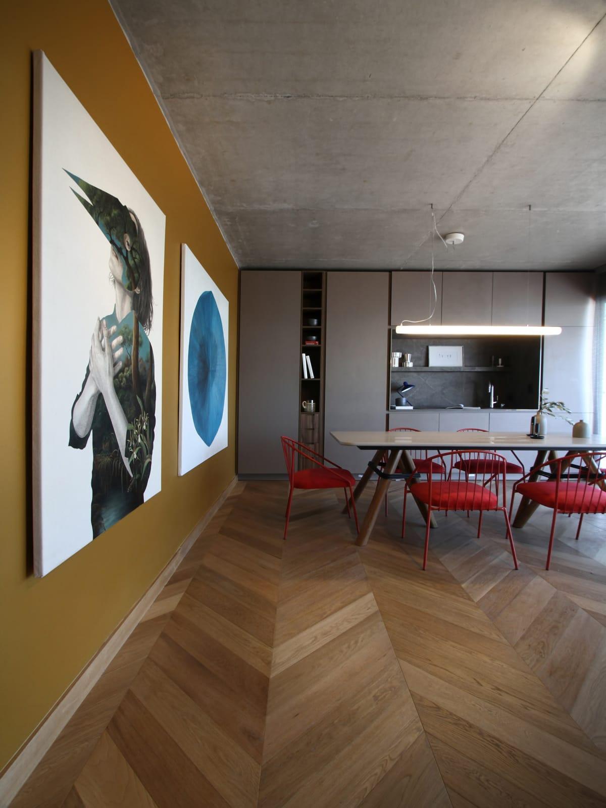 Maia Lauferman y Leandro De Angelo en Experiencia Satélite Puertos 2021 crearon una unidad de vivienda con equipamiento móvil y espacio suficiente para crear diferentes configuraciones de estar.